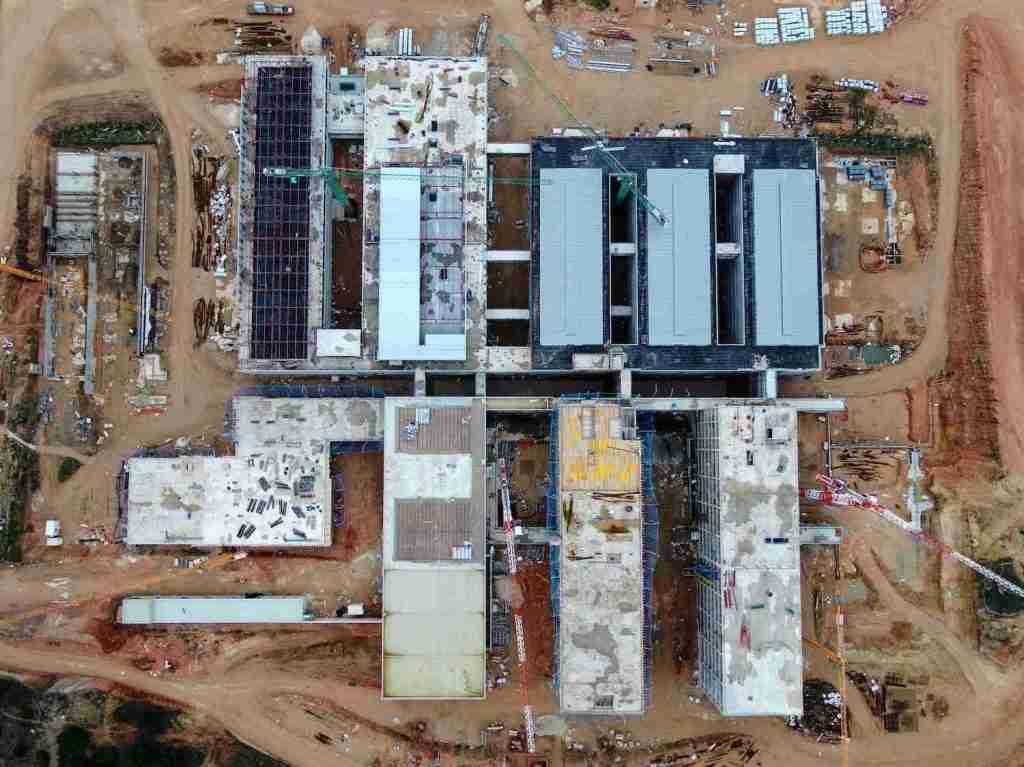 vista aérea con drones en la construcción